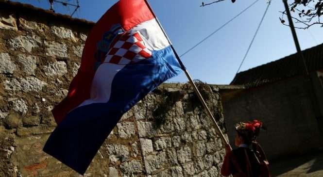 Kad se i HDZ-ovci moraju javno zaklinjati da su pravovjerni katolici i Hrvati, situacija u ovoj državi stvarno je došla do ruba apsurda