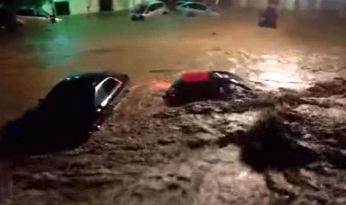 APOKALIPTIČNE SCENE U MEDITERANSKOM BISERU Najmanje pet poginulih osoba u poplavama izazvanim obilnim kišama, ima puno i nestalih, na terenu i vojska