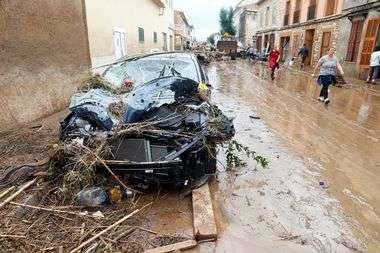 FOTO, VIDEO: KATASTROFA U SRCU MEDITERANA Raste broj mrtvih u španjolskoj turističkoj meki, blatne rijeke odnijele kuće i automobile
