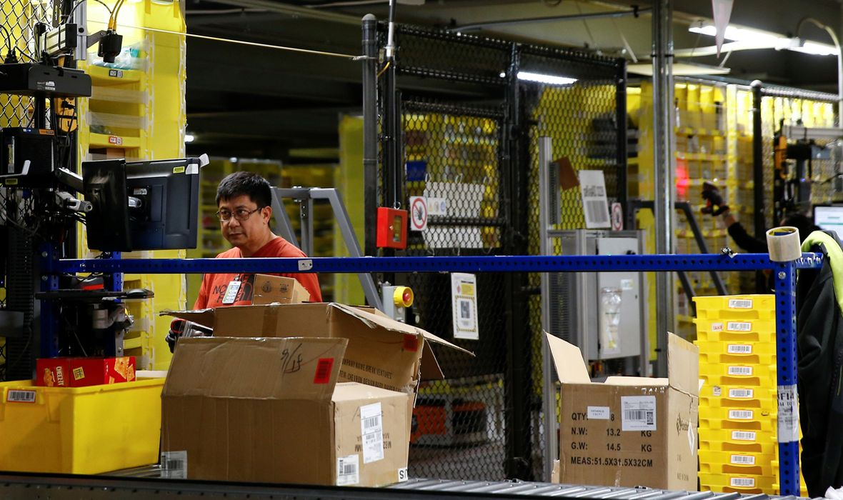 USTANAK STROJEVA Nevjerojatan incident u jednoj od najvrjednijih tvrtki na svijetu: Robot poslao u bolnicu 24 zaposlenika, jedan u kritičnom stanju