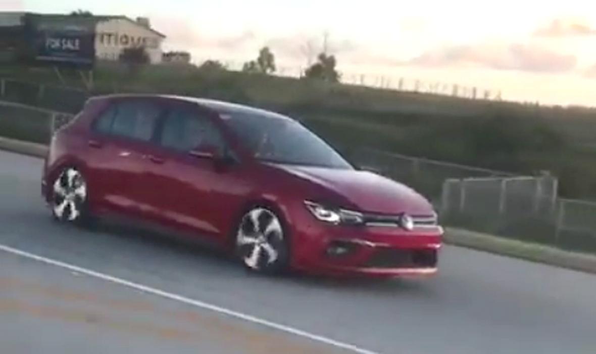 VIDEO: JE LI OVO MOGUĆE? NOVI VW GOLF 8 uhvaćen bez ikakve kamuflaže u Južnoafričkoj Republici!