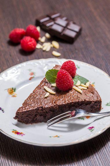 Zagreb, 080219.Buzin.Ducan Miele.Cokoladna torta.Foto: Biljana Blivajs / CROPIX
