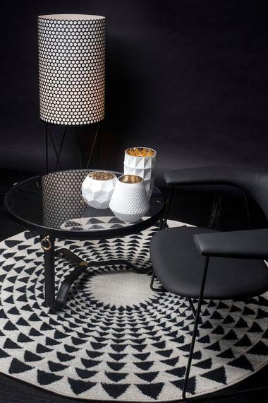 Zagreb, 060519. Editorial snimljen u studiju Hanza medie inspiriran kako urediti interijer s bijelo crnim elementia namjestaja u domu. Stilistica Danijela Kovacevic. Foto: Berislava Picek / CROPIX