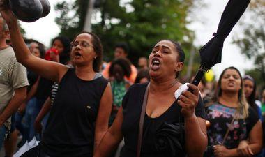 FOTO: POLICIJA UBILA OSMOGODIŠNJU DJEVOJČICU, BIJESNI GRAĐANI TRAŽE PRAVDU 'Kažu da je stradala tijekom oružanog sukoba. Zar je ona nosila oružje?!'