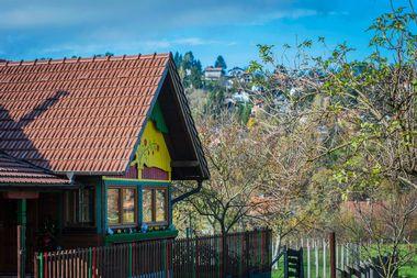 Pustodol, 061119. Bozicno uredjena kuca za najam u Donjoj Stubici. Foto: Neja Markicevic / CROPIX