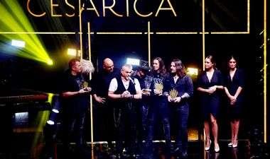 FOTO: FRANKA ZAPJEVALA PRVI PUT NAKON POROĐAJA I ODMAH OSVOJILA NAGRADU 'Hvala svima, idem sad svoj hit godine pjevati mom Viktoru'