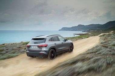 Mercedes-Benz GLA, Edition1, AMG Line, mountaingrau magno Mercedes-Benz GLA, Edition1, AMG Line, mountain grey MAGNO
