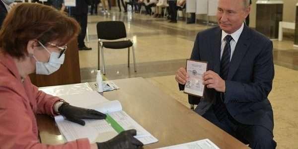 Rusi na referendumu dali Putinu pravo da ostane na vlasti do 2036.